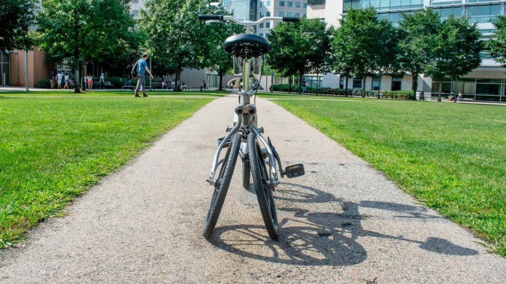 Autonomiczny rower MIT jako tricykl