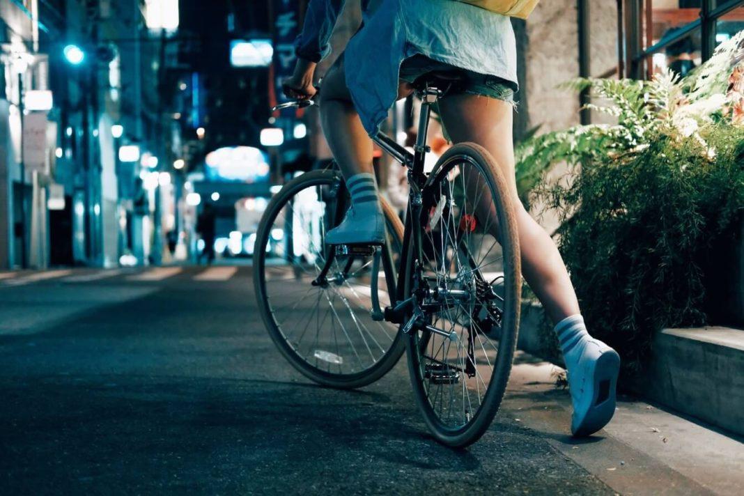 Do miasta - rower czy hulajnoga?