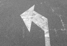 Jak sygnalizować, że hulajnoga skręca - według planowanych przepisów: kierunkowskaz albo ręka