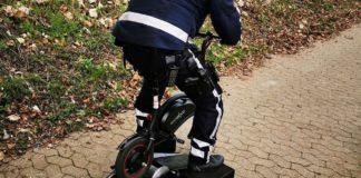 Hamownia rolkowa - policyjna konrola e-roweru