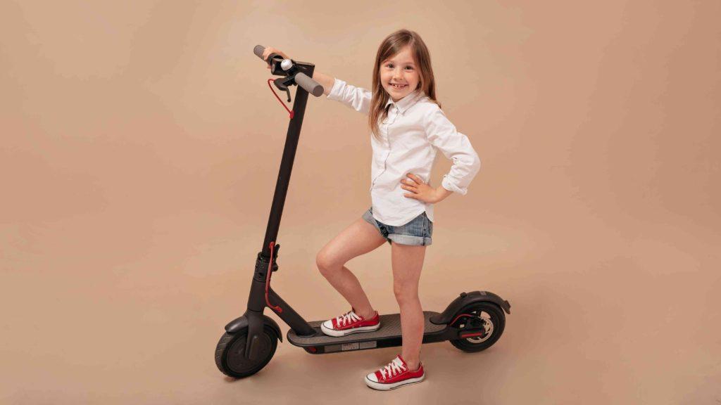 Hulajnoga elektryczna dla dziecka - kierownica nie może być za wysoko