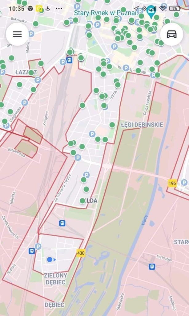 Układ strefy firmy Bolt w Poznaniu - zielone kropki to zaparkowane hulajnogi