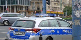 Policja za jazdę elektryczną hulajnogą po alkoholu wystawia mandaty. Czy na pewno robi prawidłowo?