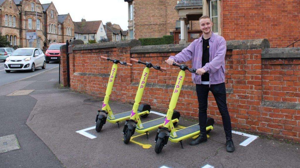 CEO Charlie Gleeson i hulajnogi Zipp Mobility